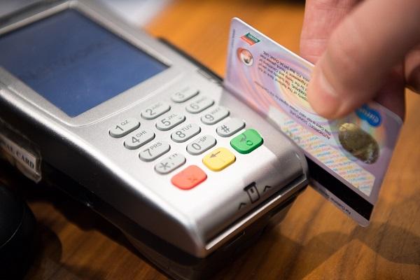 chuc-nang-cua-the-debit-va-credit