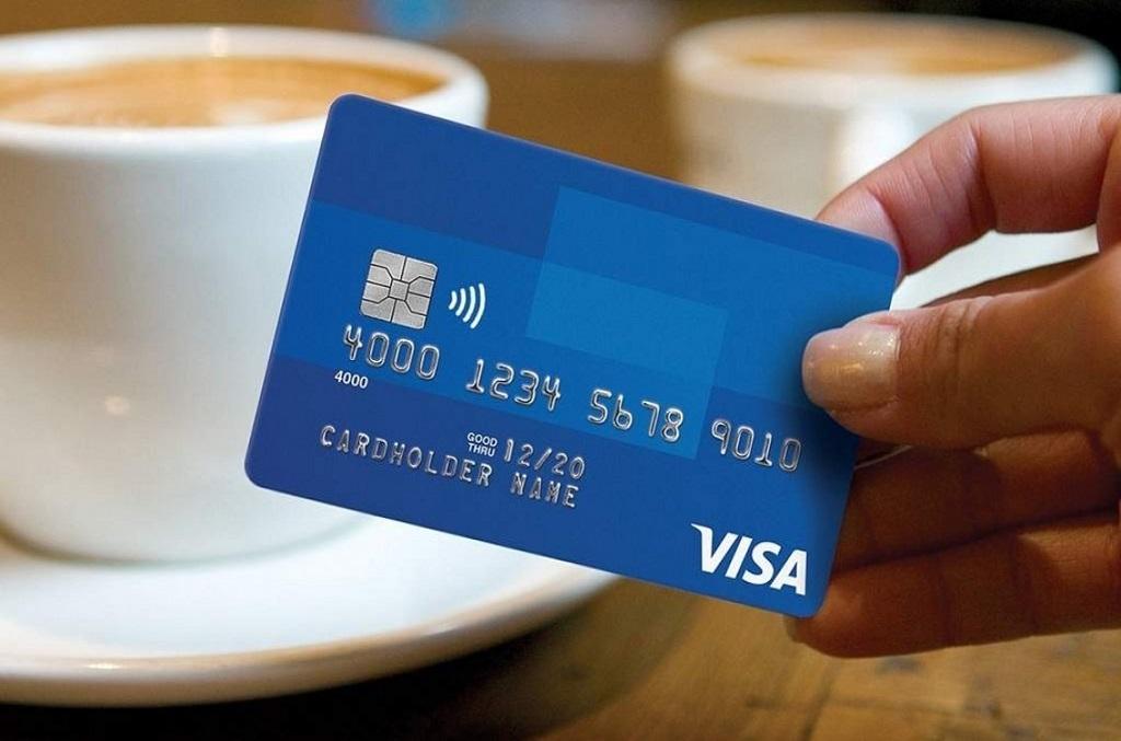 nhung-ngan-hang-lam-the-visa-debit