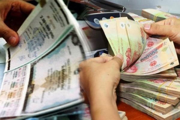 co-nen-mua-trai-phieu-vietcombank